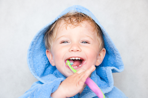 Dentista bambini Magenta, Magnago e Milano | Odontoiatria pediatrica | Amadental
