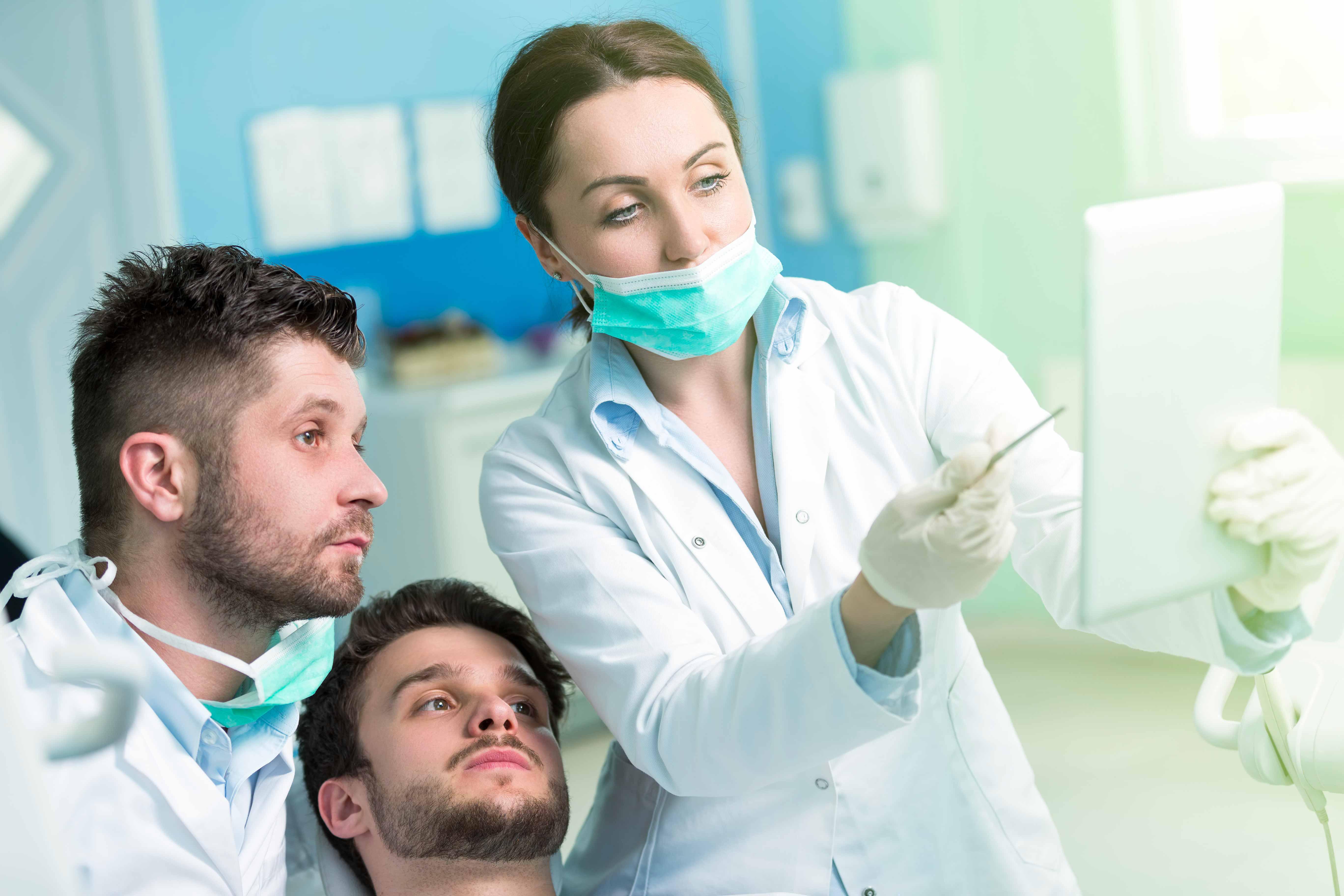 Diagnostica: visite e radiografie | Dentista a Milano, Magenta, Magnago | Amadental