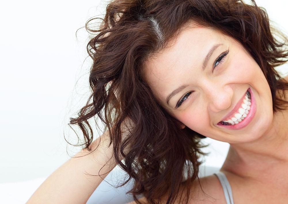 Apparecchio denti trasparente sorriso